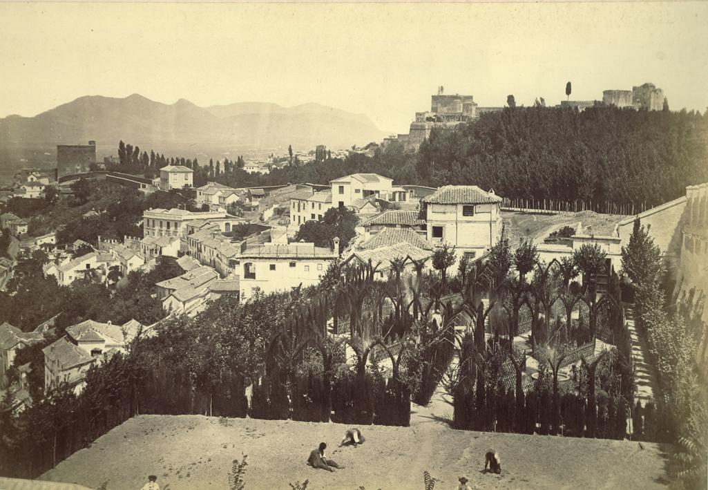 Vista de Torres Bermejas desde la Antequeruela Alta. Foto: Charles Clifford, 1859. (Archivo fotográfico de Carlos Sánchez Gómez)