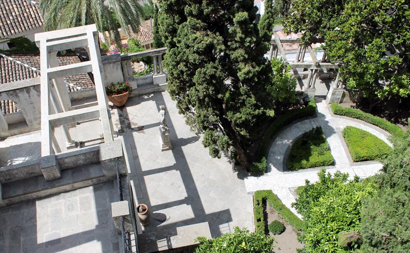 Fundación Rodríguez-Acosta. Jardines del carmen-estudio del pintor José María Rodríguez-Acosta. Patio de Diana cazadora.(Foto: Macarena Tejero. Junio, 2013)